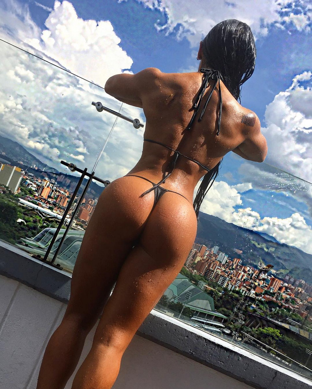 эротическое фото девушек спортивного телосложения - 2