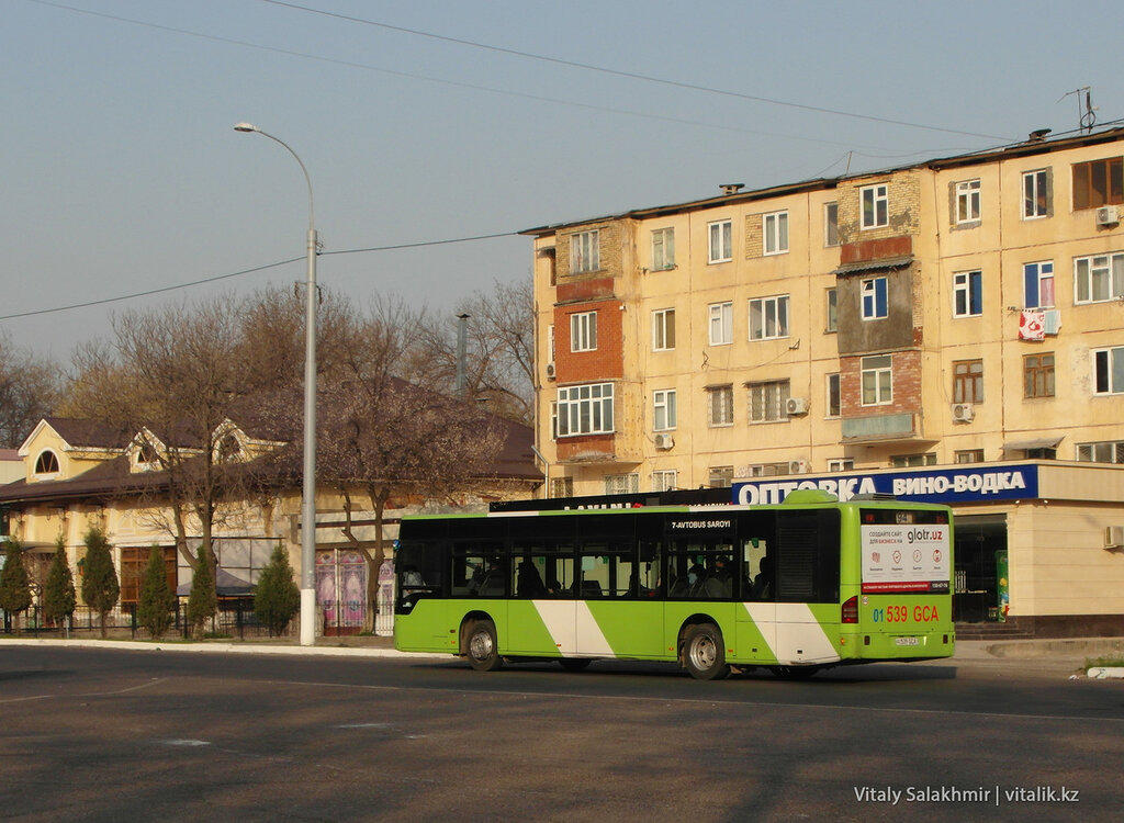 Автобус Мерседес в Ташкенте