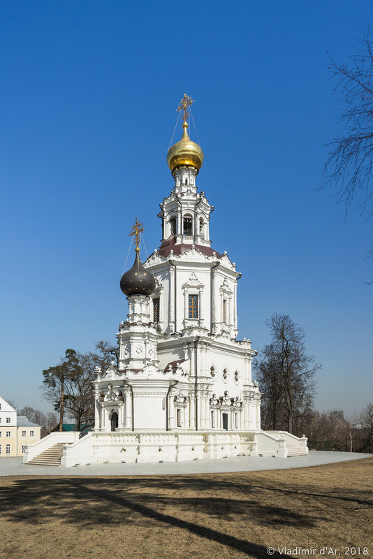 Церковь Троицы Живоначальной в Троице-Лыкове