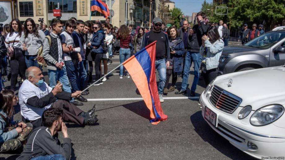 Протесты в Ереване: о главном
