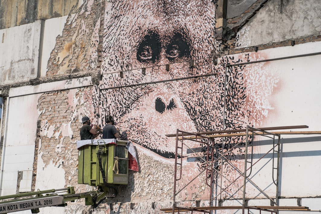 Vhils \/\/ Splash and Burn (Sumatra)