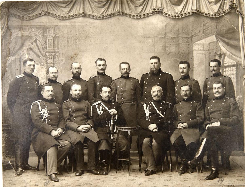 Фото полковника Генерального Штаба А. М. Михайлова с сослуживцами.1880-е