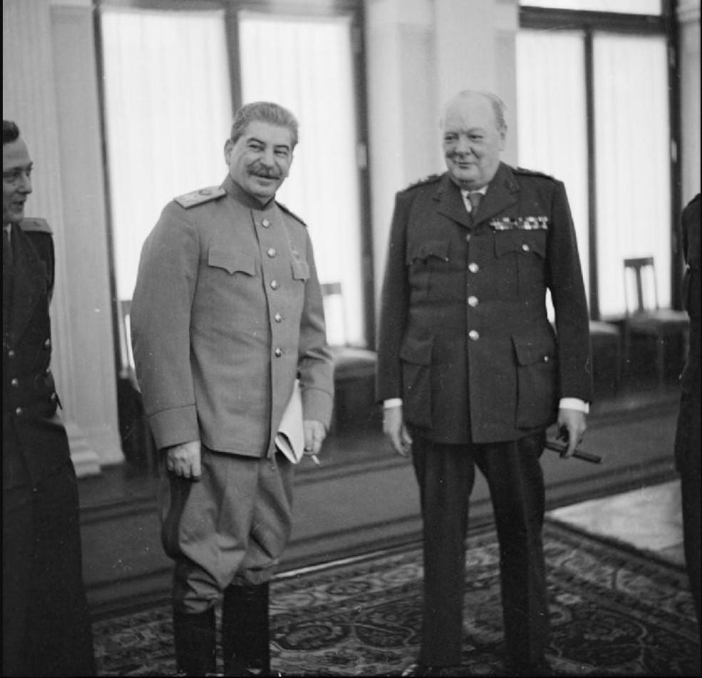 Переводчик Павлов перевел У.Черчиллю шутку И.Сталина