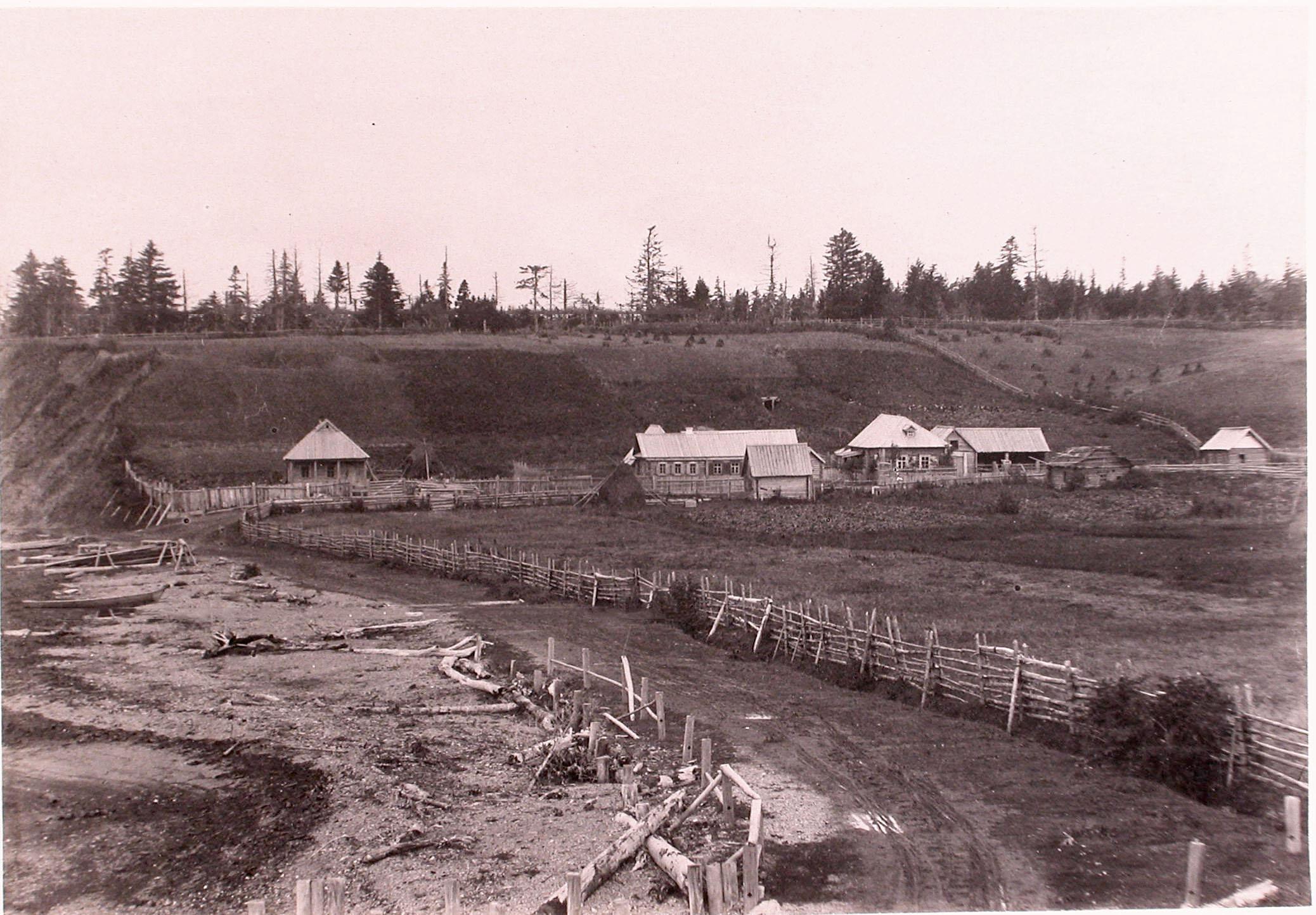 1891. Окрестности Корсакова. Вид жилых домов в поселении Третья падь