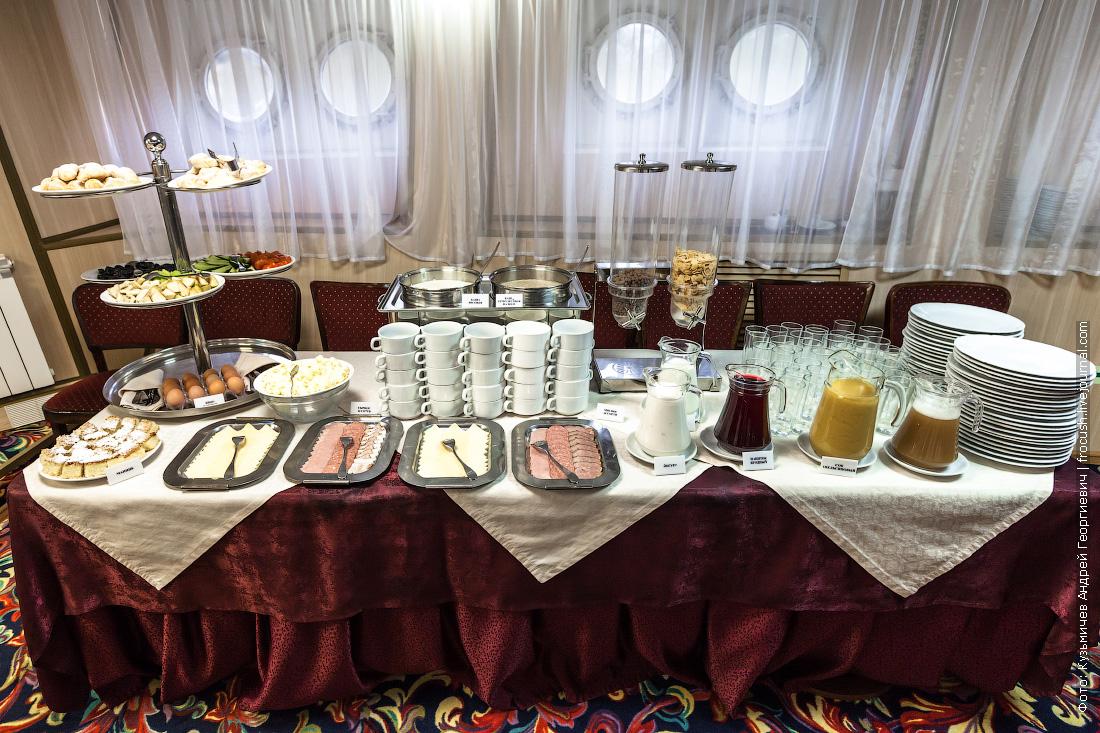 завтрак на теплоходе Некрасов фото