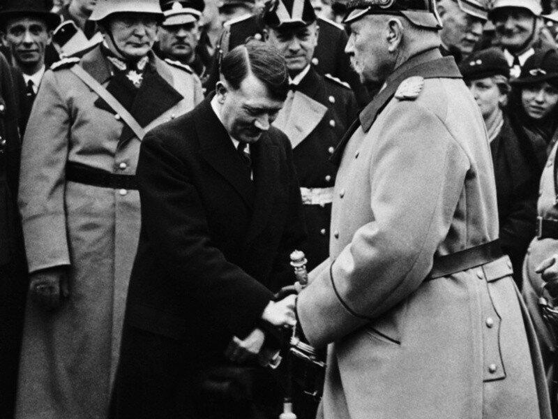 Для чего на самом деле поставили Гитлера? luxfon.com-23600.jpg