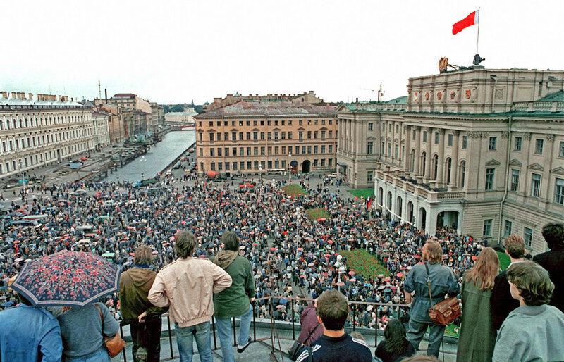 1991 Митинг за переименование Ленинграда. РИА Новости Замир Усманов.jpg