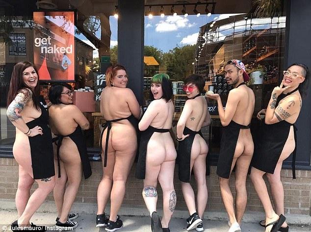 Голый протест против упаковки