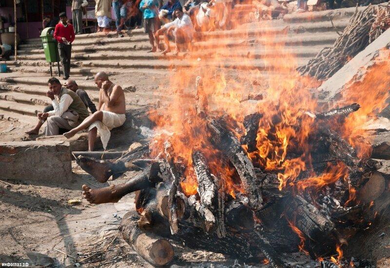 похороны индия.jpg