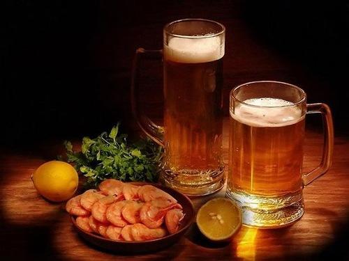 С днем пивовара! Посидим с пивком