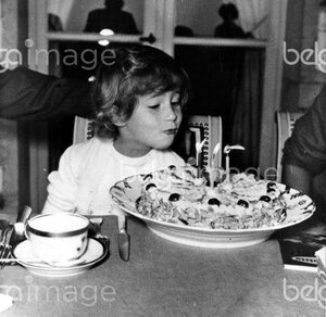 30 September 1959 is about the 3th anniversary of Princess Marie Esmeralda of Belgium