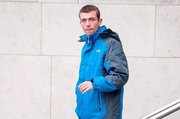 8. Жители Дублина, после совершенного ограбления аптеки, уснули прямо на награбленном. Делая обход р
