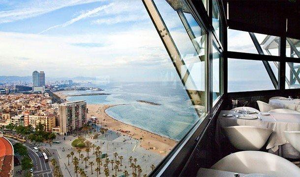 16. Torre d`Alta Mar (Барселона, Испания) Посетив этот ресторан, можно получить не только прекрасно