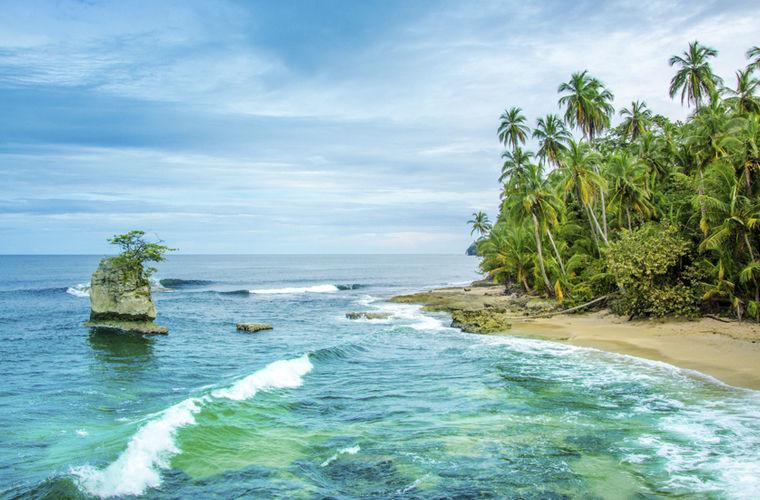Относиться к местной флоре и фауне невнимательно В Коста-Рике запрещен ввоз и вывоз фруктов, овощей,
