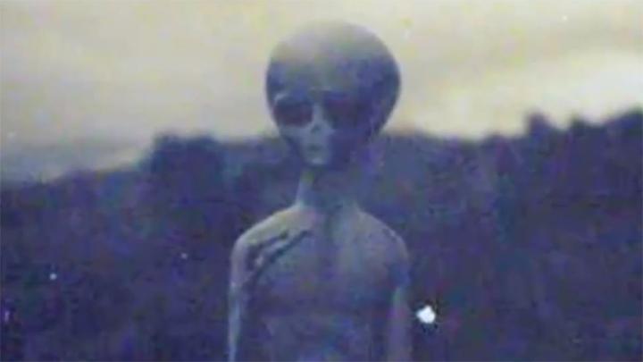 Инопланетяне Иосифа Сталина  Во второй части Энни Джейкобсен без тени сомнения заявляет, чт
