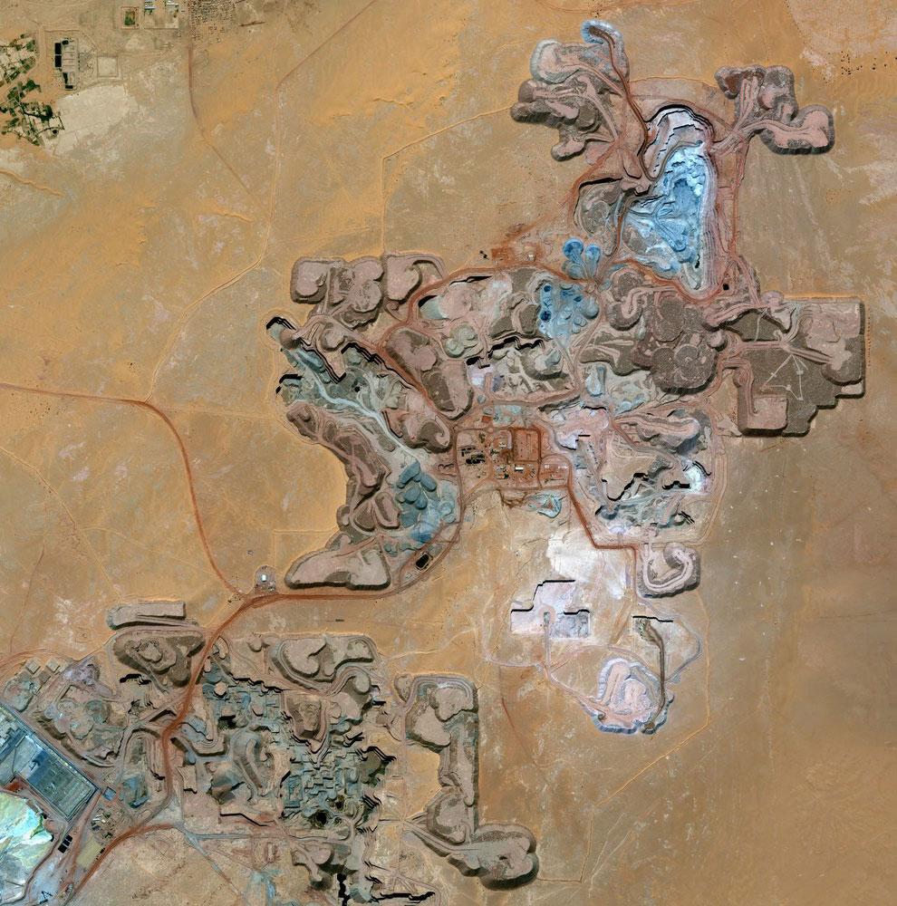 13. Новый остров, появившийся в результате землетрясения в Пакистане на побережье Гвадар, 29 се
