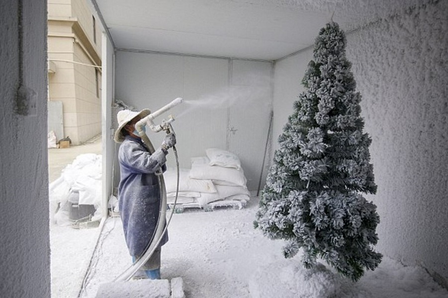 Внутри потогонного производства Санта-Клауса