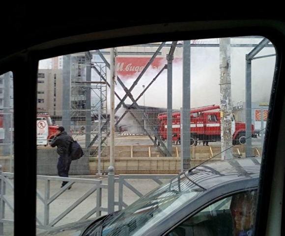 ВЕкатеринбурге из-за пожара эвакуировали 25 человек