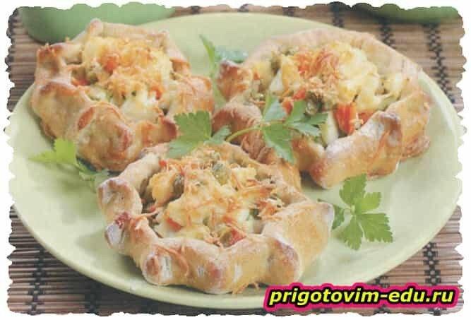 Картофельные ватрушки с овощами
