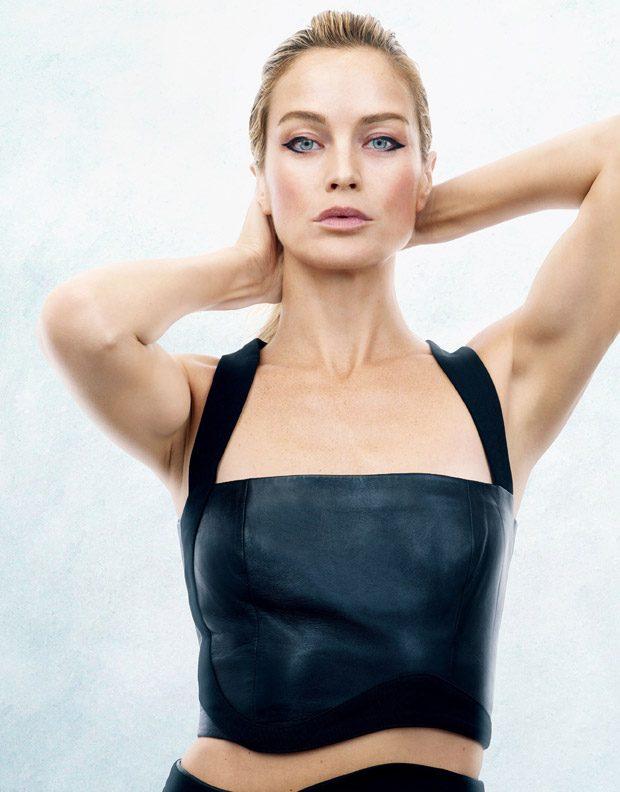 Eternal Beauty: Carolyn Murphy Stars in Vogue Japan January 2017 Issue (5 pics)