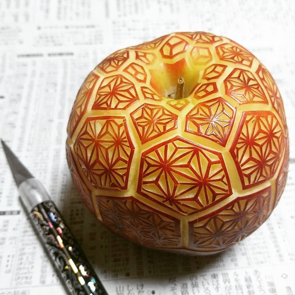 New Elaborate Patterns and Designs Carved on Produce by 'Gaku' (8 pics)