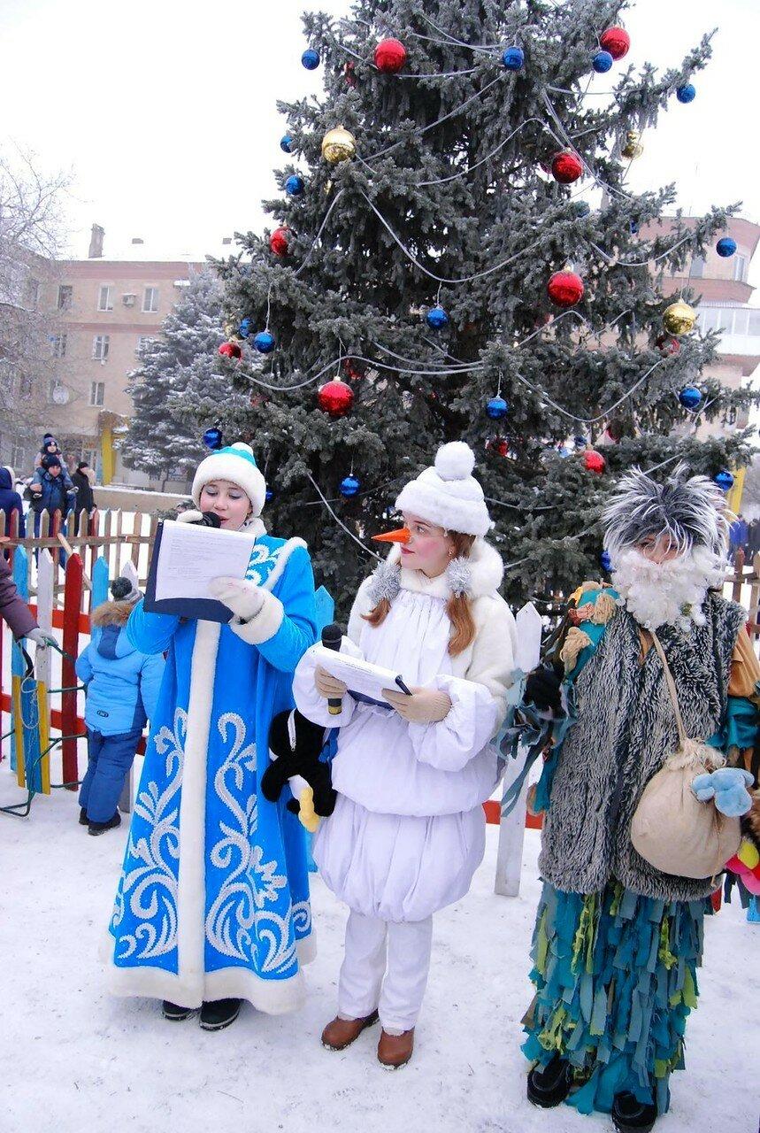 23 декабря 2016 года. Открытие ёлки в Амвросиевке на площади им. Ленина. Фото Н. Бродяного 001.jpg