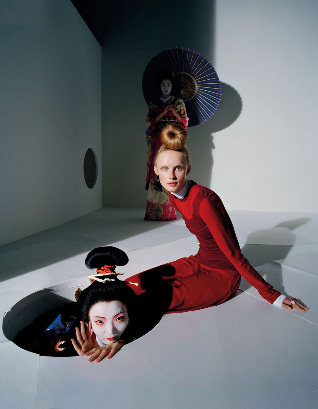 Художник зыбкого мира / An Artist of the Floating World by Tim Walker - Vogue UK december 2016