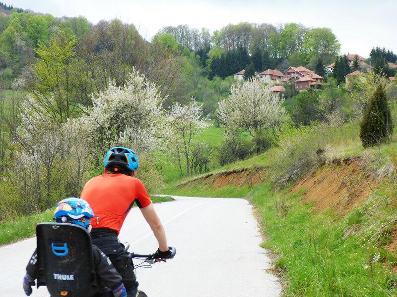 велопоход с ребенком в велокресле по сербии