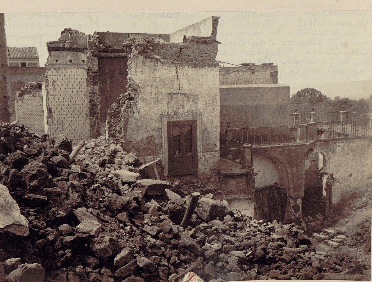 88. Окрестности Неаполя. Сан-Себастьяно, разрушенный извержением 1872 года. Поток лавы был 1 километр в ширину и 6 метров в толщину