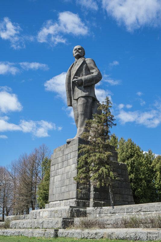 Памятник В.И. Ленину. Дубна.
