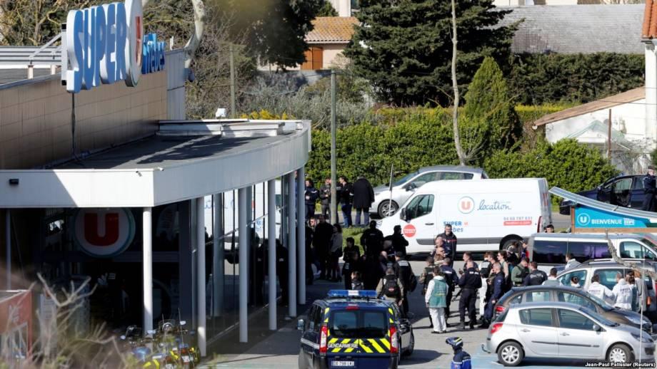 Захват заложников во Франции: Макрон заявляет о 3 погибших и 16 раненых