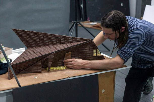 Gingerbread models of famous Art Museums