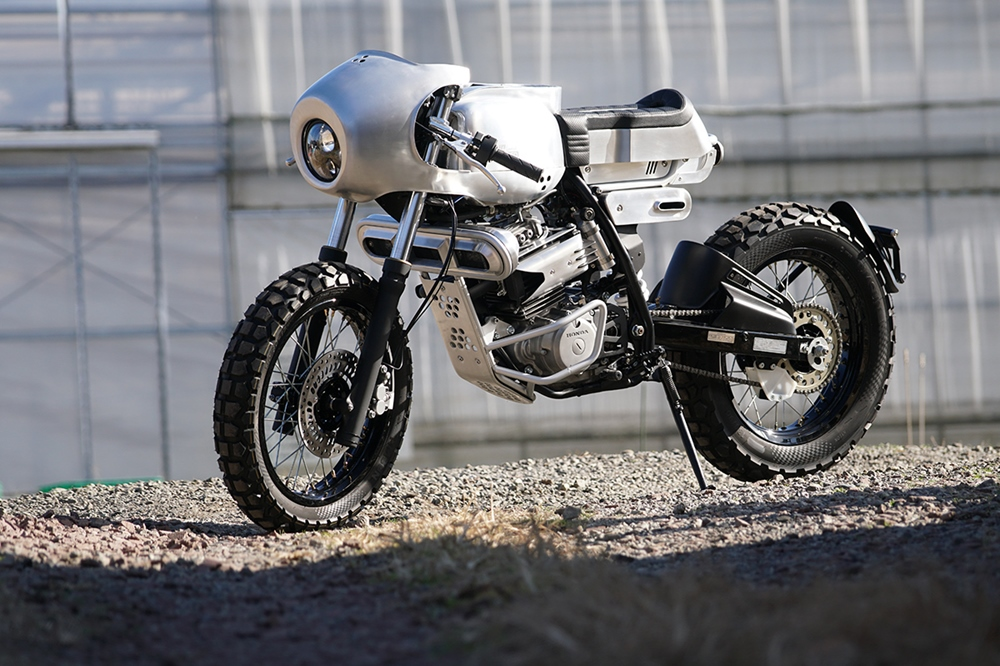 Ask Motorcycles: футуристический кафе рейсер Honda XLR250R