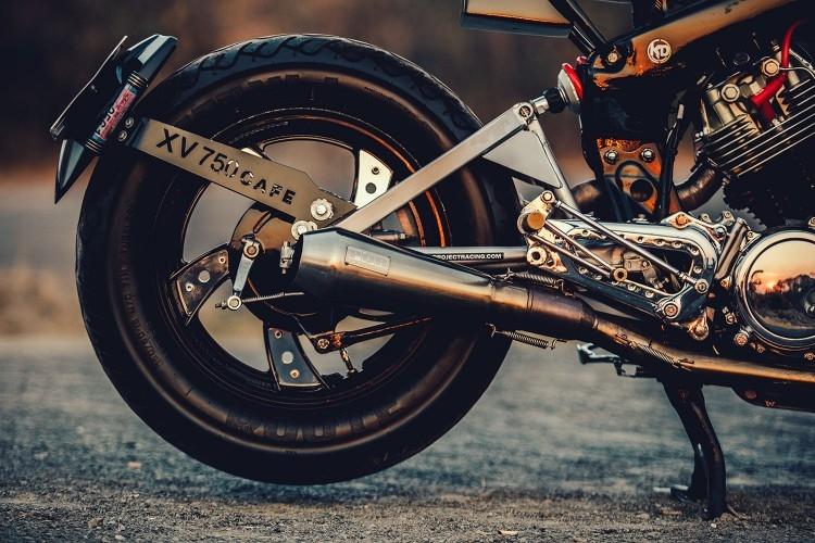 Buriam Siammotor x Mee Classic Shop: кафе рейсер Yamaha Virago