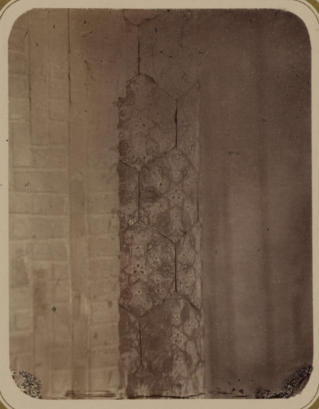 Медресе Биби Ханым. Часть колонны главной арки
