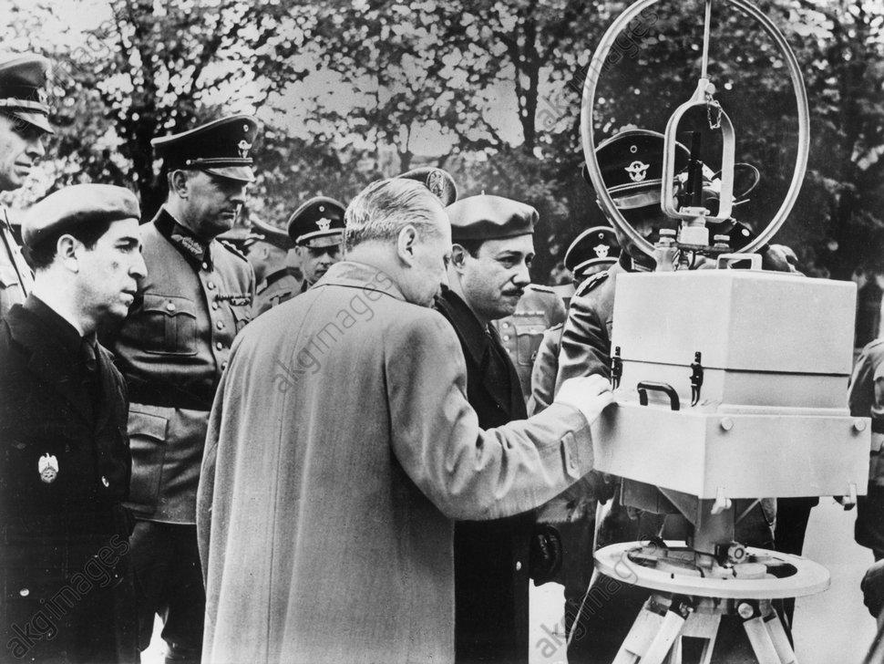 Widerstand/Peilgerдt d.Gestapo f.Sender - Resistance / Gestapo radio detector - Rйsistance/Goniomиtre de la Gestapo