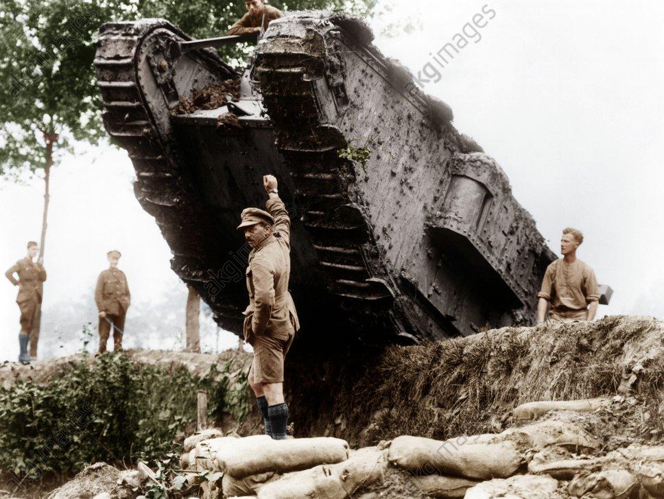 Britischer Tank, Westfront, 1.WK.,um1917 - British Tank, Western Front, WW I,c.1917 -