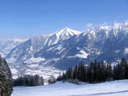В горах Румынии выпал 20-сантиметровый слой снега