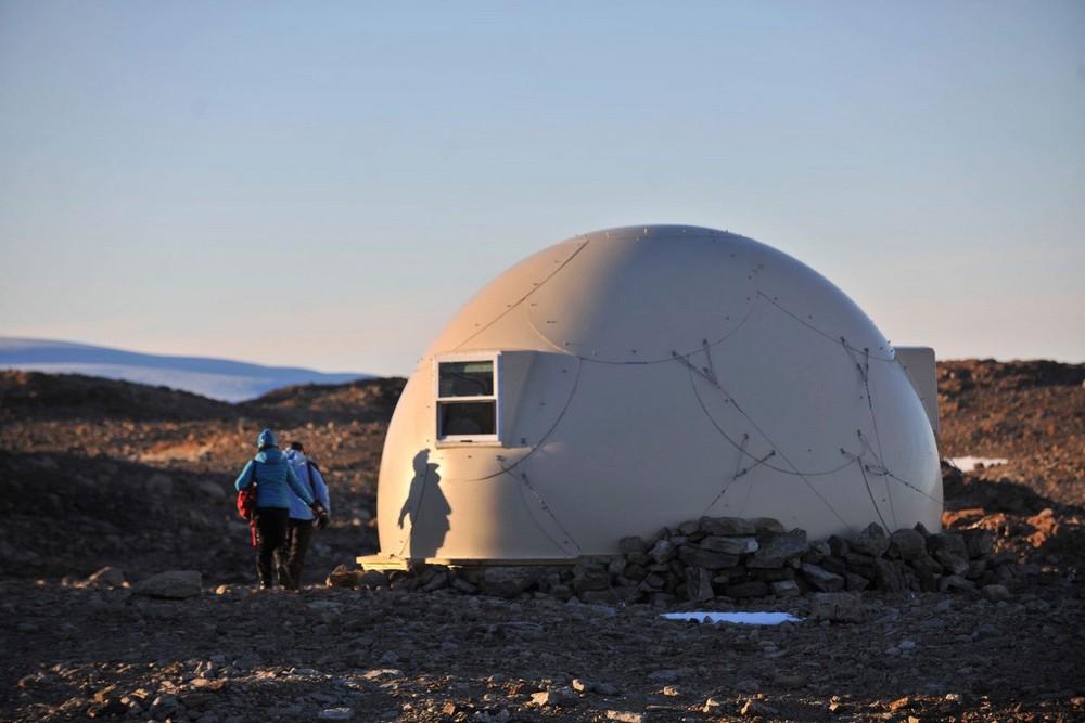 Купольные домики на белом континенте