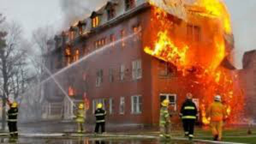 Из-за пожара в нежилом доме в Черкасской области погиб бомж