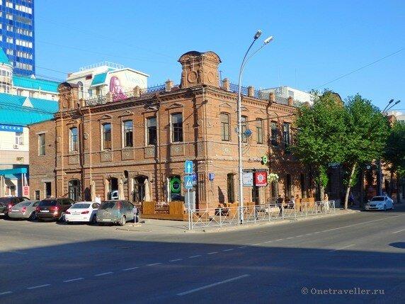 Новосибирск. Дом купца Сурикова и Молчанова