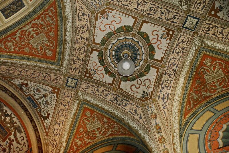 Потолок над Большой римской лестницей