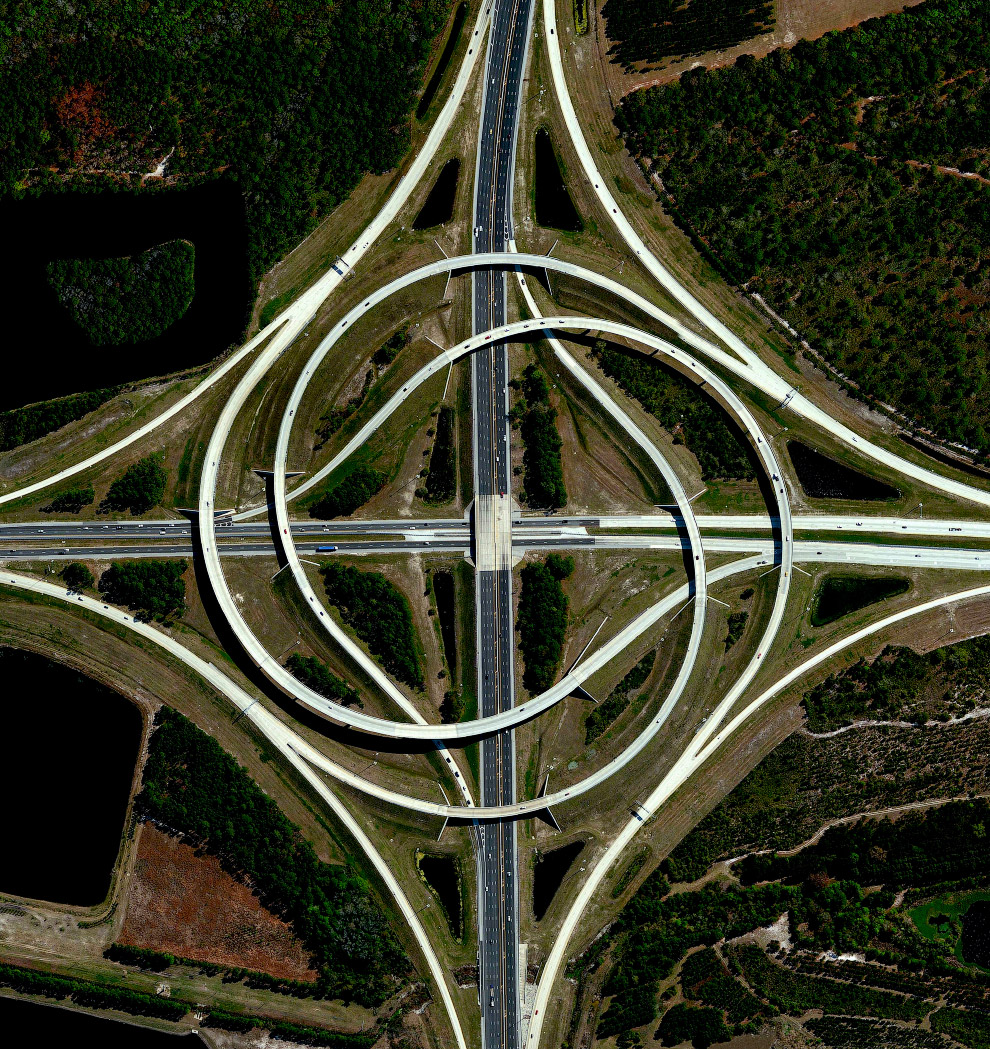 7. Симметричное поселение в штате Аризона. (Фото Benjamin Grant | Penguin Random House):