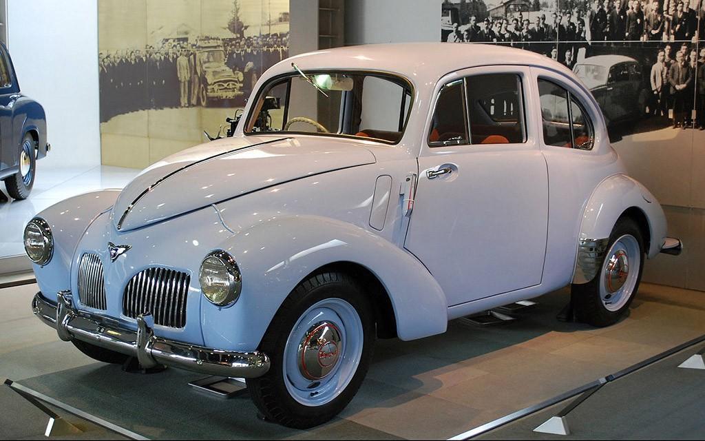 4. Самостоятельной компанией Toyota Motor Co., Ltd. стала в 1936 году. Одну букву в первоначальном н