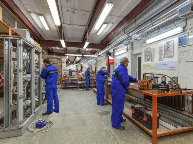 Группа компаний Legrand планирует наладить сборочное производство вХабаровске