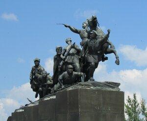 Памятник Чапаеву в Самаре.