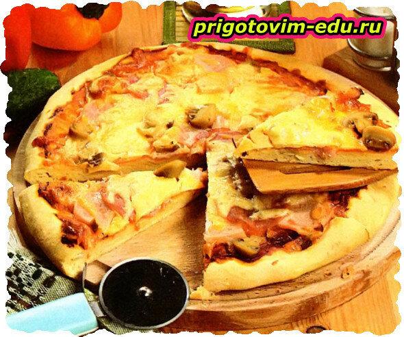 Пицца с колбасой и грибочками