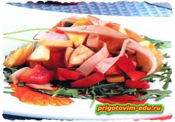 Салат из болгарского перца с окороком