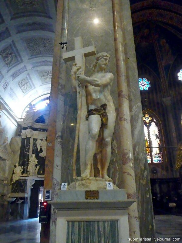 """Статуя Микеланджело """"Хрристос с крестом"""""""