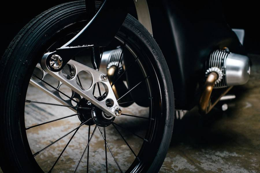 Gorgeous Revival of BMW Landspeeder Motorcycle